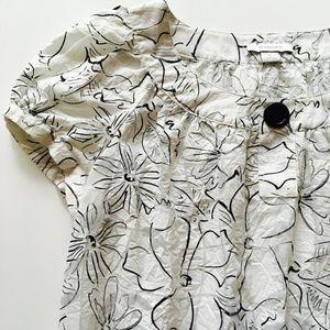 *3/$30* Dress Barn Black & White Floral Blouse